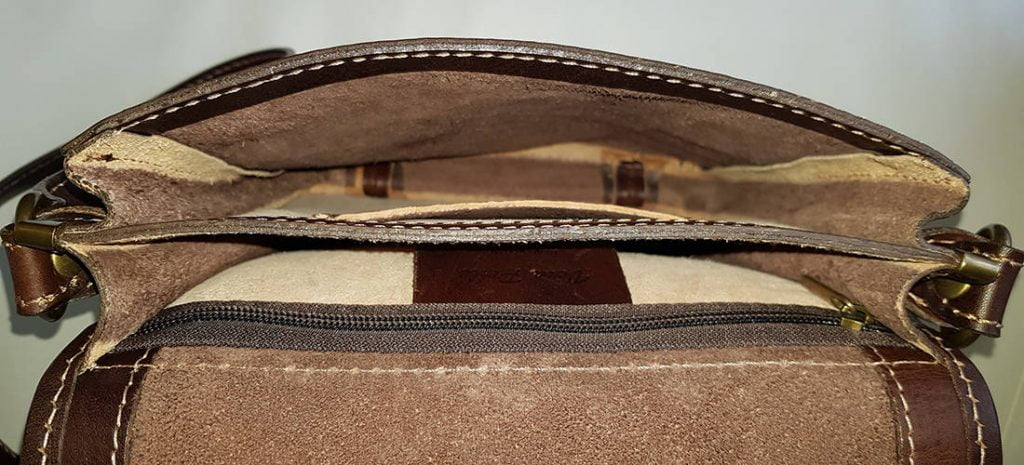 Time Resistance Messenger Bag 'On The Road' - empty compartments