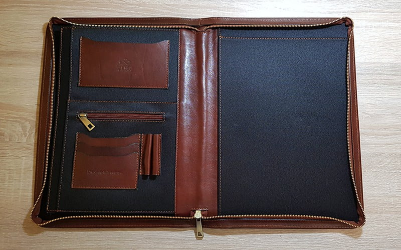 Time Resistance Leather Portfolio Candide - open